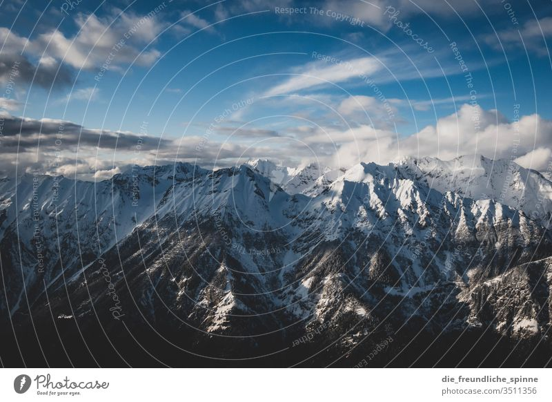winterliche Alpen III Winter Schnee Berge Gebirge Berge u. Gebirge Himmel Landschaft Wolken blau Gipfel Felsen weiß Schneelandschaft Außenaufnahme