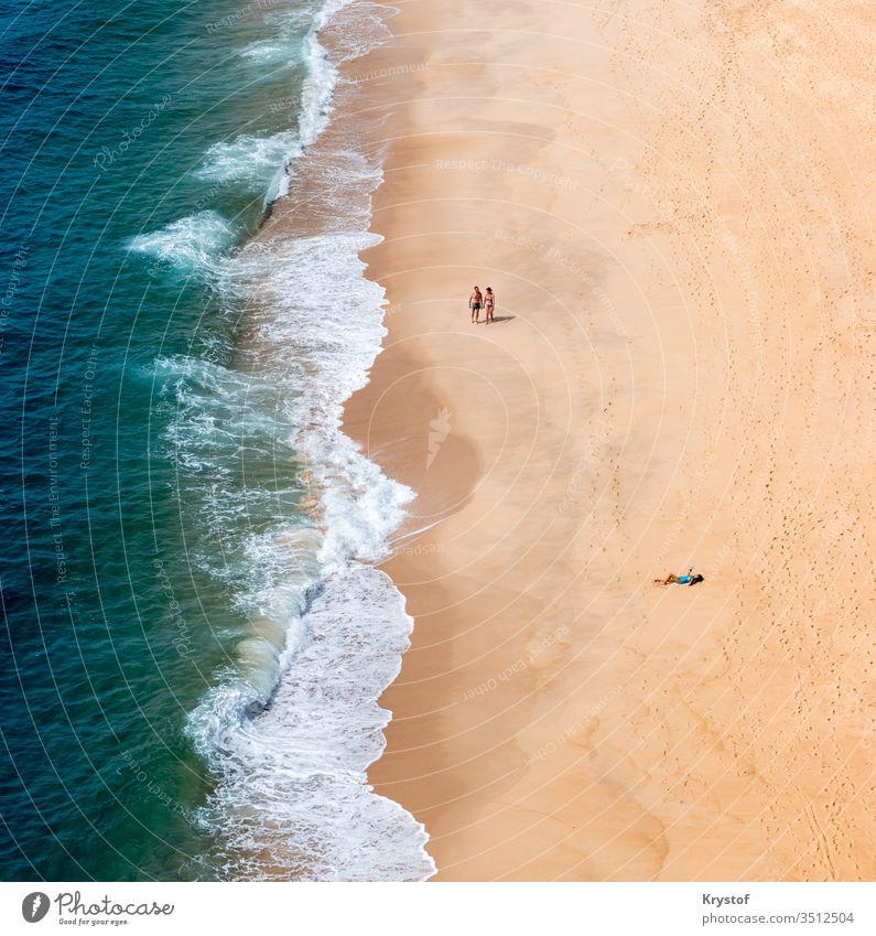 Minimalistischer Strand droneperspective Dröhnen Perspektive Portugal Natur Landschaft Meer MEER Sand Wasser Menschen