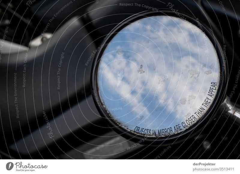Himmel im Rückspiegel eines Rollers trist Architektur Gebäude Bauwerk trendy historisch Ferien & Urlaub & Reisen Tourismus Städtereise Sightseeing