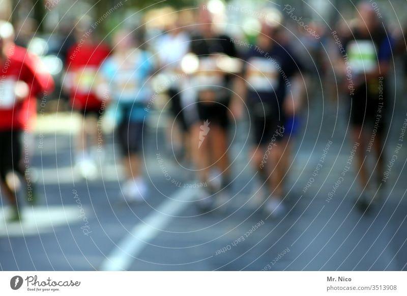 Marathon Fitness Walking laufen Sport sportlich Sportler Halbmarathon Laufsport Läufer Gesundheit Joggen rennen Jogger Training Athlet Geschwindigkeit Straße