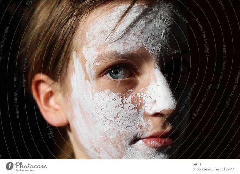 Schönheitstag Maske Gesichtsmaske Beautyfotografie weiß Kosmetik schön Gesundheit Spa Creme Haut Hautpflege Wellness Körperpflege Hautfalten Akne Pickel