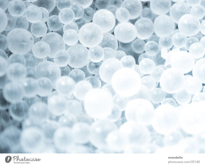 Kugeln weiß klein Ball mehrere rund Dinge tief viele durchsichtig gleich matt