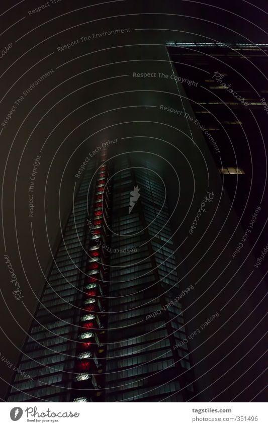 ONE WORLD TRADE CENTER Stadt dunkel Nebel Hochhaus groß Symbole & Metaphern USA Wahrzeichen Amerika Manhattan New York City Erneuerung World Trade Center