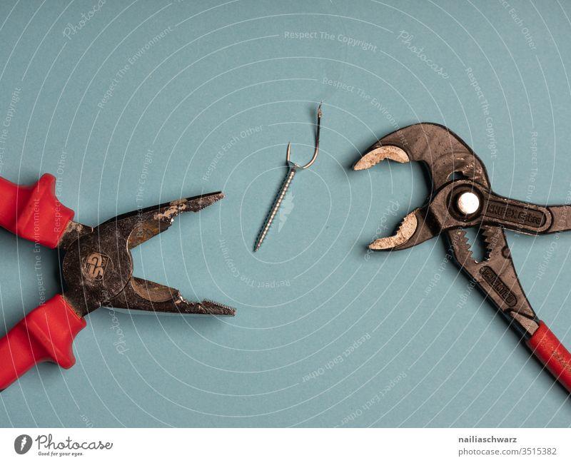 Angeln Arbeitsgeräte Zange Schraube abstrakt Haken fischen Werkzeug werkzeugset Arbeit & Erwerbstätigkeit Farbfoto Handwerk Metall Handwerker Detailaufnahme