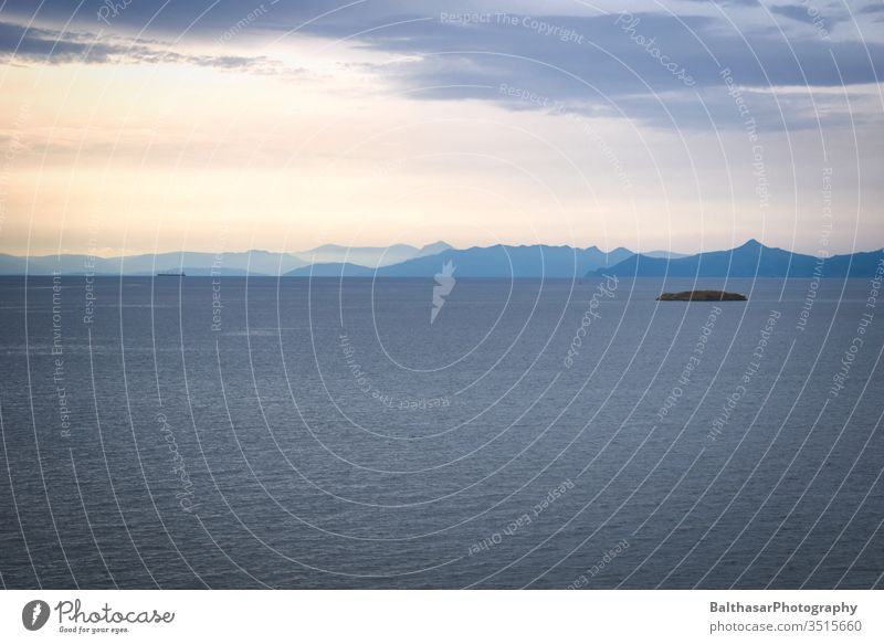 Meer - Horizont - Berge Griechenland Europa Sonnenlicht Wolken Mittelmeer ägais Insel Berge u. Gebirge Silhouette Wasser Einbildung Bewegung Wellen Licht Schiff