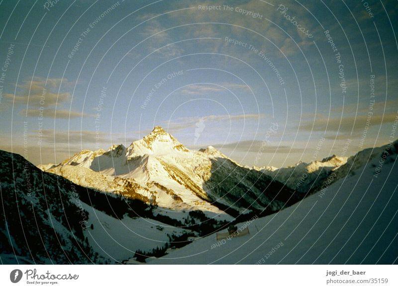 Alpenpanorama 3 Wolken Sonnenstrahlen Berge u. Gebirge Himmel Schnee Schatten Tal