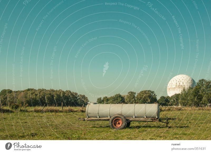 __=o==--_ O_ Himmel Natur blau grün Sommer weiß Landschaft Umwelt Wiese außergewöhnlich Metall Arbeit & Erwerbstätigkeit Feld Telekommunikation Zukunft