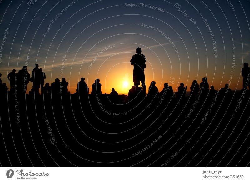 Human Skyline Mensch Himmel Ferien & Urlaub & Reisen blau Sommer Sonne Meer Landschaft Strand schwarz gelb Ferne Freiheit Küste Horizont orange