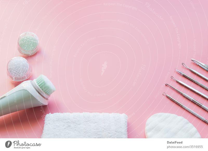 Werkzeuge zur Entfernung von Akne Kosmetikerin schön Schönheit Bürste Pflege Sauberkeit Kosmetologe Kosmetologie Gesichtsbehandlung Frau Gesundheit