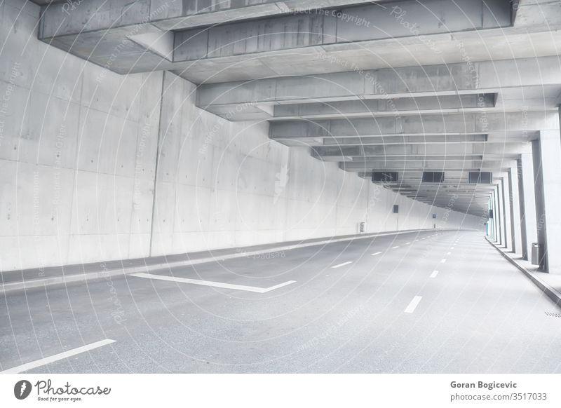 Tunnel Architektur Asphalt Brücke Gebäude Großstadt Zeitgenosse Kurve dunkel Tag Regie nach unten Abenddämmerung leer Gerät weitergeben Fernstraße futuristisch