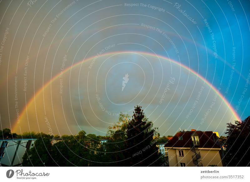 Regenbogen regenbogen abend spektrum wetter altocumulus dunkel dämmerung düster farbspektrum feierabend haufenwolke himmel klima klimawandel menschenleer
