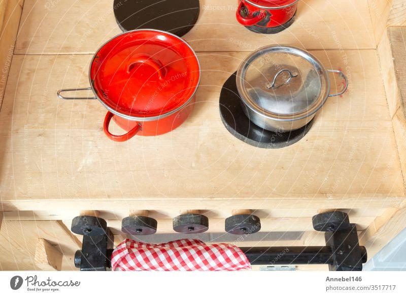 Holzspielzeugküche für Kinder, stilvolles Design, Draufsicht, Küche für Kinder mit Küchengeräten Spielzeug heimwärts Lebensmittel wenig spielen Baby Möbel