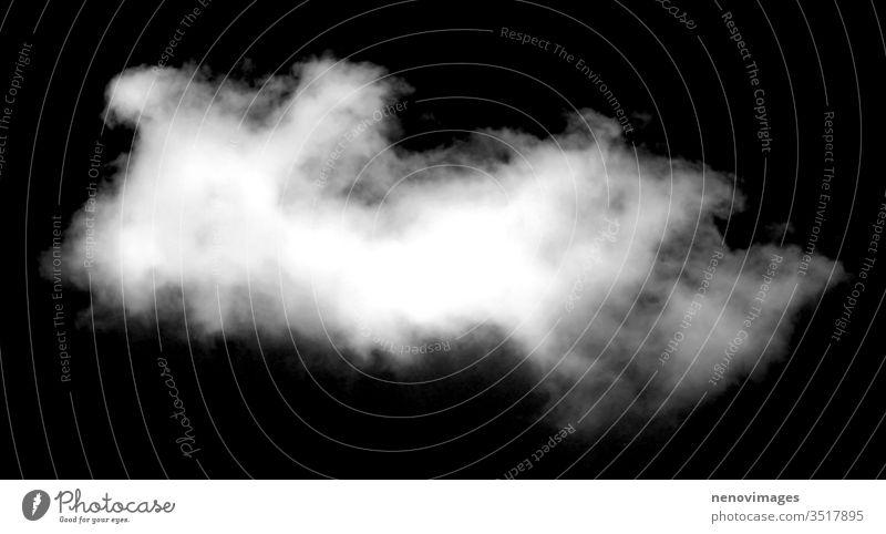 Satz isolierter weißer Wolken vor schwarzem Hintergrund Wolkenlandschaft Sonnenlicht Umwelt Klima übersichtlich Natur Stratosphäre fluffig Ausschnitt Kumulus