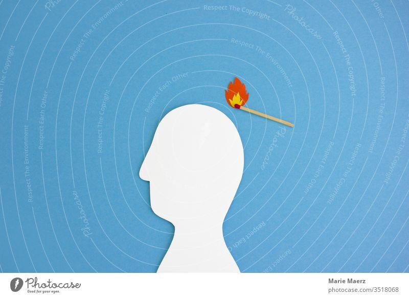 Kopf anzünden | Streichholz mit Flamme zündet Kopf-Silhouette aus Papier an Feuer Gedanken Gehirn u. Nerven ideen rechts Inspiration schlecht gefährlich negativ