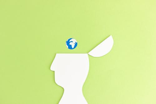 Ans Klima denken | Kopf Silhouettte mit Erdkugel Erde Nachhaltigkeit Natur Verantwortung Zukunft Umwelt Textfreiraum oben Klimawandel Umweltschutz Planet Schutz