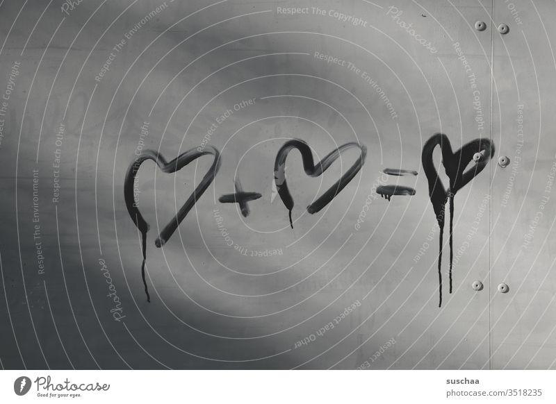 romantik als matheaufgabe Herz Herze Rechnung Mahteaufgabe Addition unlogisch Schmiererei Wand Menschenleer Graffiti grau Love Liebe Farbe Tropfen