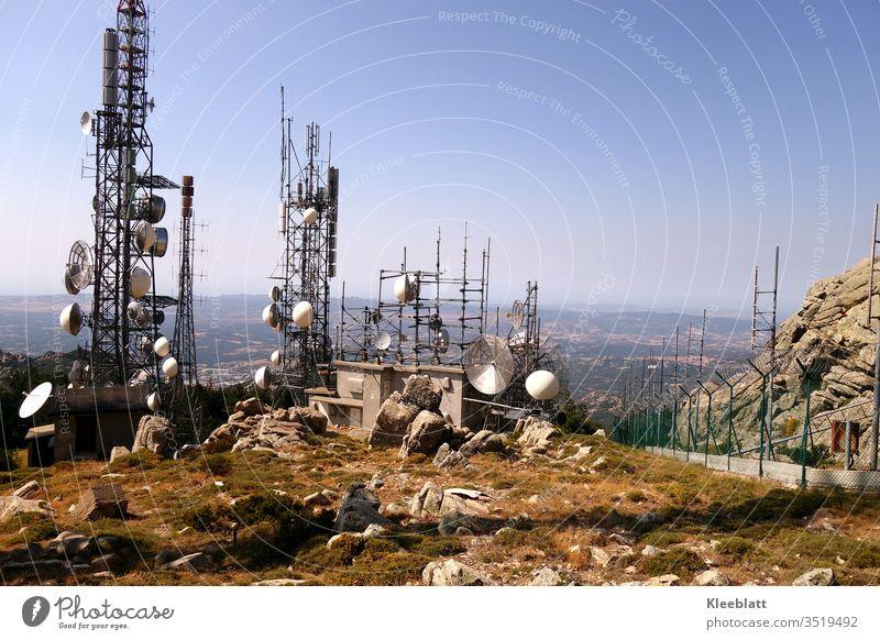 Antennen- und Sendeanlage auf Bergplateau Sende- und Antennenanlage Handysendemasten Fernseh- und Rundfunkstation Satellitenanlage NAFI - Funk