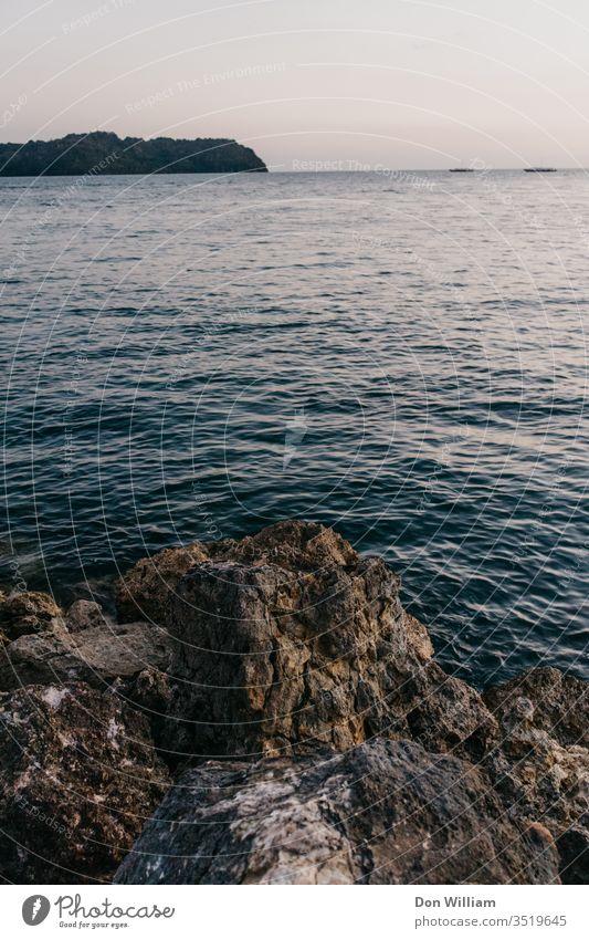 Meer und Felsen Steine Küste Natur Landschaft Strand Ferien & Urlaub & Reisen MEER Himmel