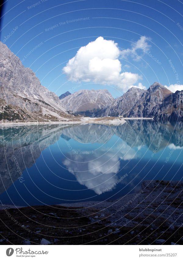 Lüner See im Montafon Reflexion & Spiegelung Berge u. Gebirge Wasser Sonne
