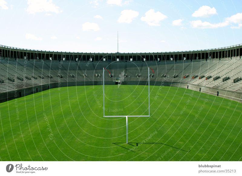 Harvard Football Stadium American Football Stadion Tribüne Sport Hardvard University Rasen