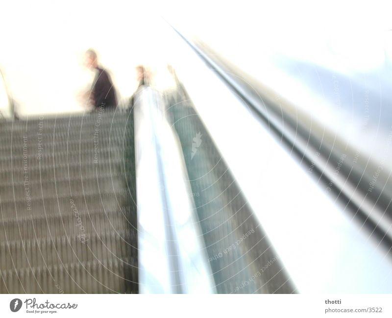 upstairs weiß Bewegung Rolltreppe Fototechnik