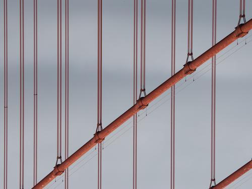 Golden Gate Golden Gate Bridge Brücke Symbol wahrzeichen verrotten Linien und Formen Stahl Stahlseile Konstruktion USA Kalifornien San Francisco Architektur