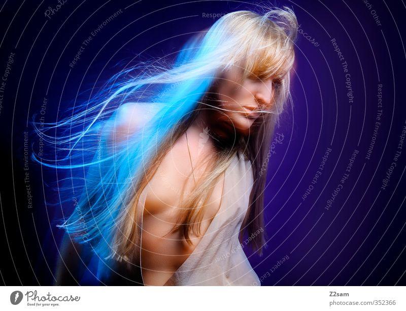 Dreams 3 Jugendliche blau schön Junge Frau Erwachsene Erotik feminin 18-30 Jahre Haare & Frisuren Stil Feste & Feiern träumen blond Tanzen elegant Lifestyle