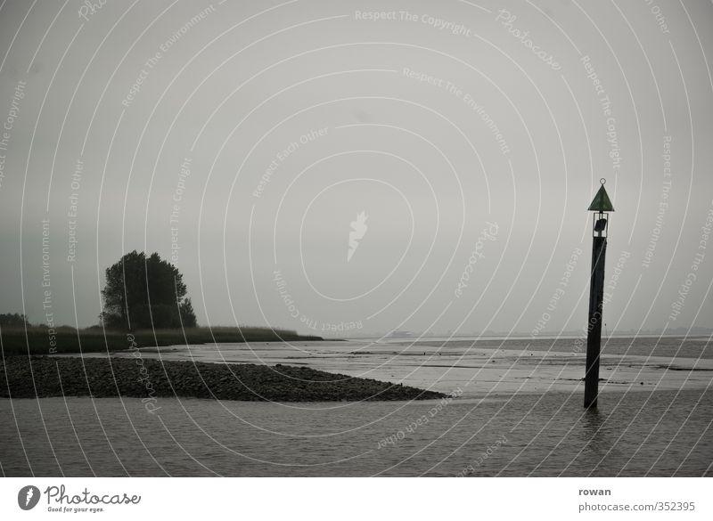 neblig Natur Wasser Meer Landschaft Wolken dunkel kalt Küste Lampe Nebel Klima Schilder & Markierungen trist bedrohlich Fluss Seeufer