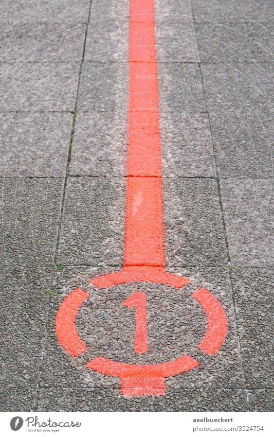 der Rote Faden in Hannover Roter Faden der rote faden rundgang Sehenswürdigkeit Tourismus Städtereise Linie Deutschland Straße Markierung Bürgersteig