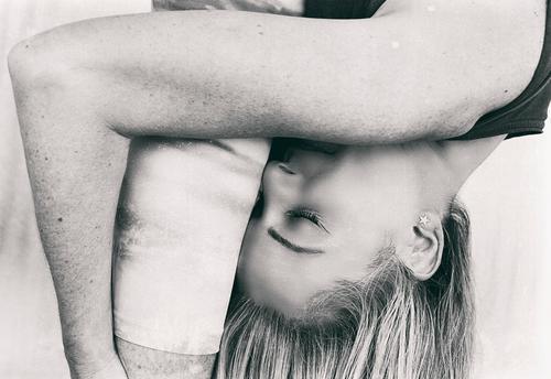 entspannender Moment II Yoga Asana Yogi sich[Akk] entspannen Meditation Frau Menschen Erwachsener reif Lifestyle meditieren Spanien Europa Porträt Posen blond