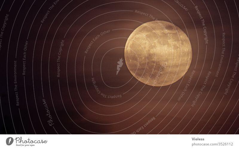 Vollmond im Wolkennebel Mond Nacht Dunkel Supervollmond Luna All Weltall Planet leuchten
