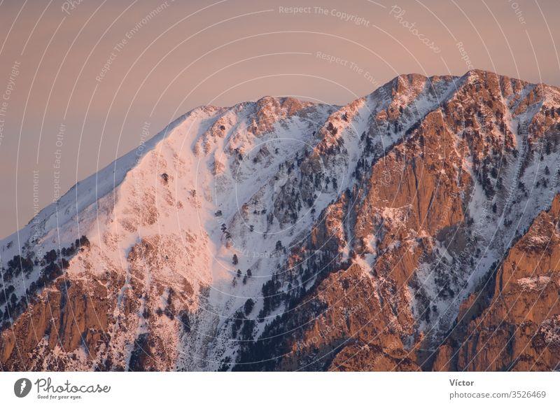 Die Gipfel des Nationalparks Ordesa y Monte Perdido vom Alto Añisclo aus. Pyrenäen. Huesca. Aragonien. Spanien. aragonisch Klippe Klippen kalt Farbe Farben
