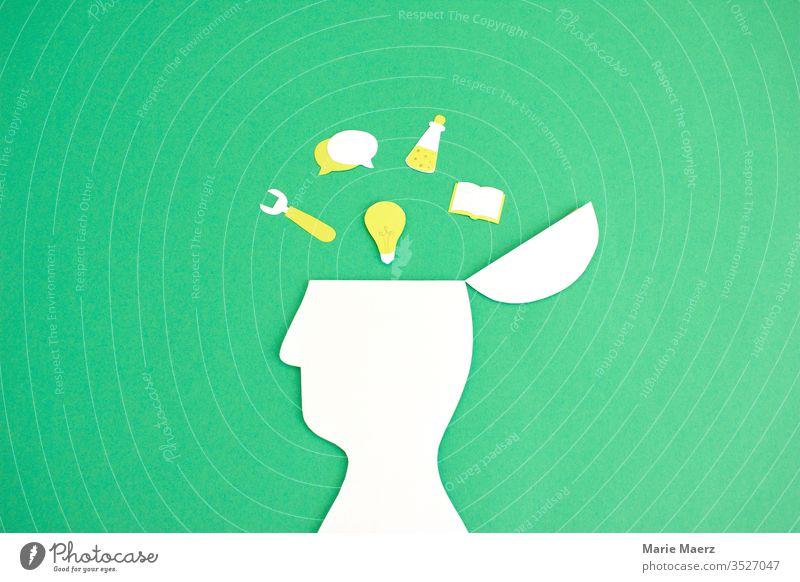 Wissenswerkzeuge | Offene Kopf Silhouette mit Symbolen zum Thema Studium & Wissen lernen Denken entdecken Hintergrund neutral Farbfoto Bildung Neugier Interesse
