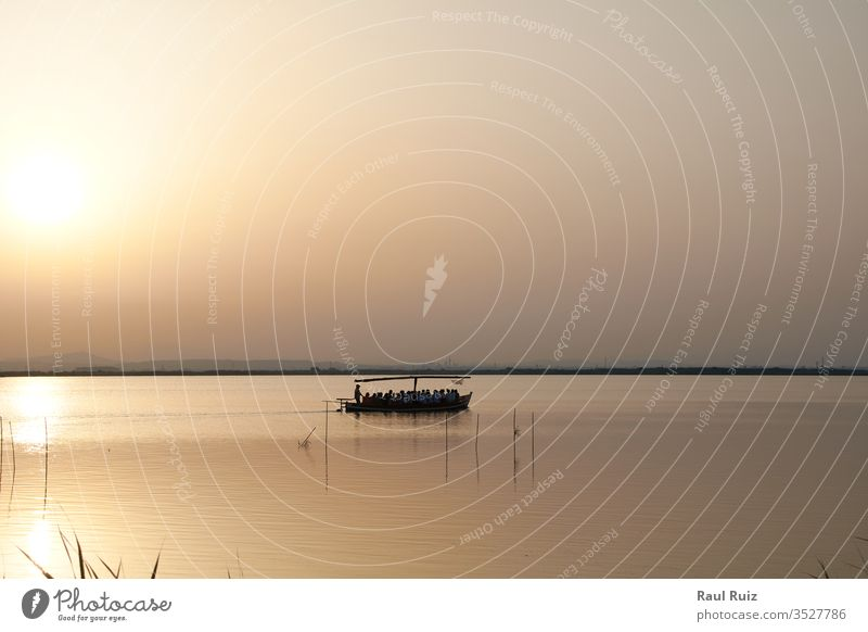 Reflexionen des Sonnenuntergangs in der Lagune Sonnenaufgang Nebel Morgen Landschaft Sommer Europa Wasser Ansicht Tourismus nass Teich Natur Ambitus ruhig
