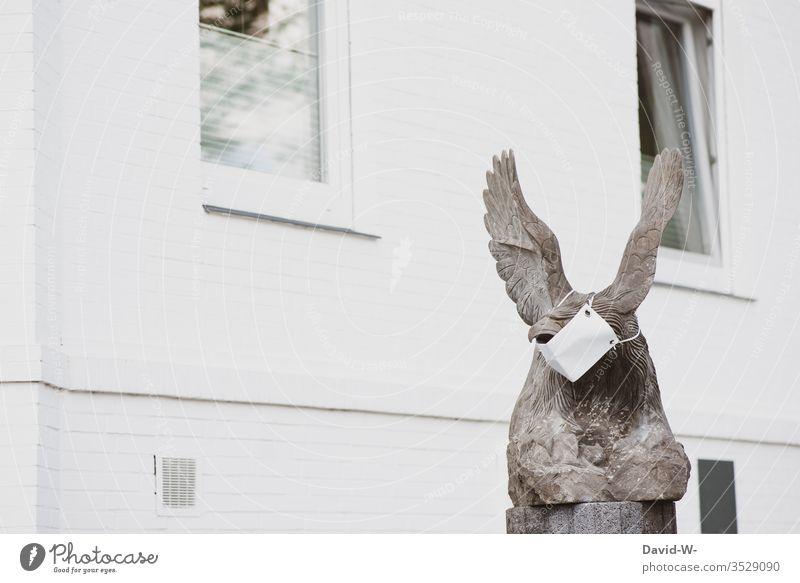 Bundeswappen Adler Statue mit Mundschutz - Corona coronavirus Coronavirus Infektionsgefahr Pandemie Corona-Virus Gesundheit Quarantäne Ansteckend COVID Schutz