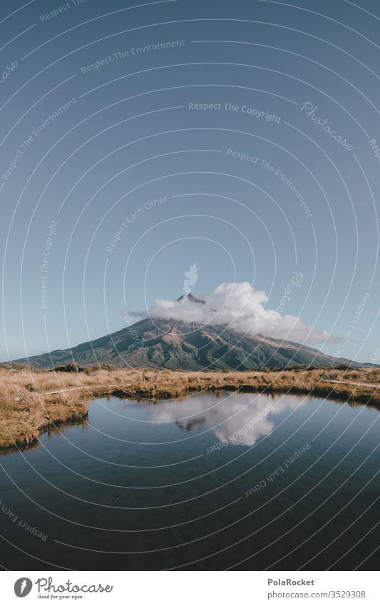 #As# Wolkenhindernis mount taranaki Neuseeland Neuseeland Landschaft blau Himmel himmlisch Gipfel Tourismus Spiegelung Bergsee Außenaufnahme Natur