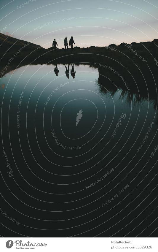 #As# up we go wandern Wanderer Wandertag Wanderausflug Wanderung wanderlust wanderweg Neuseeland Neuseeland Landschaft mount taranaki Nationalpark Abendsonne