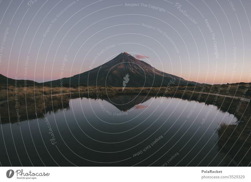 #As# Berg in Breit mount taranaki Neuseeland Neuseeland Landschaft Nationalpark See Bergsee Spiegelung weite Fernweh Reisefotografie reisen Reisender Wanderung