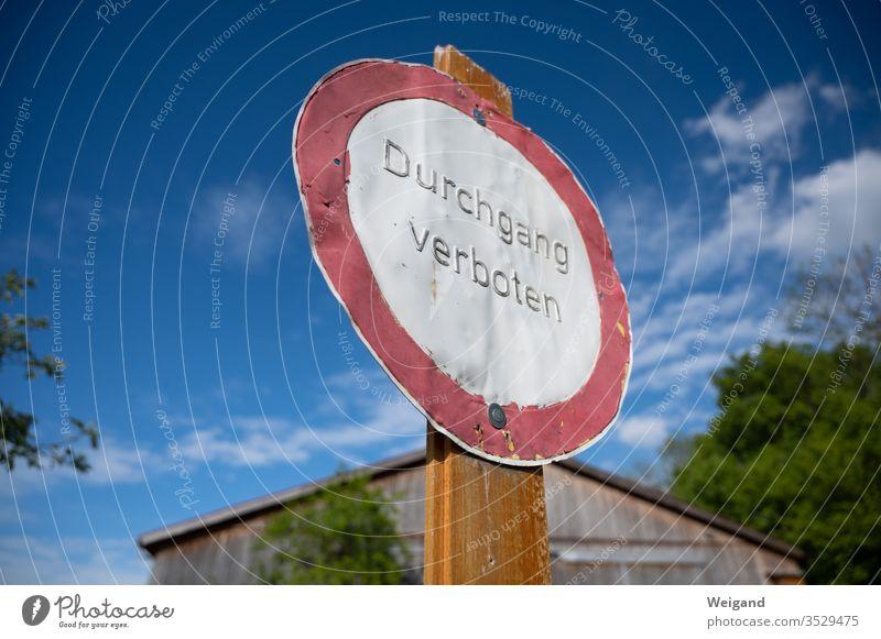 Verbotsschild Verbote stoppen Diktatur Polizei privat Privatsphäre Hinweisschild Schilder & Markierungen Warnhinweis Warnschild Außenaufnahme Himmel