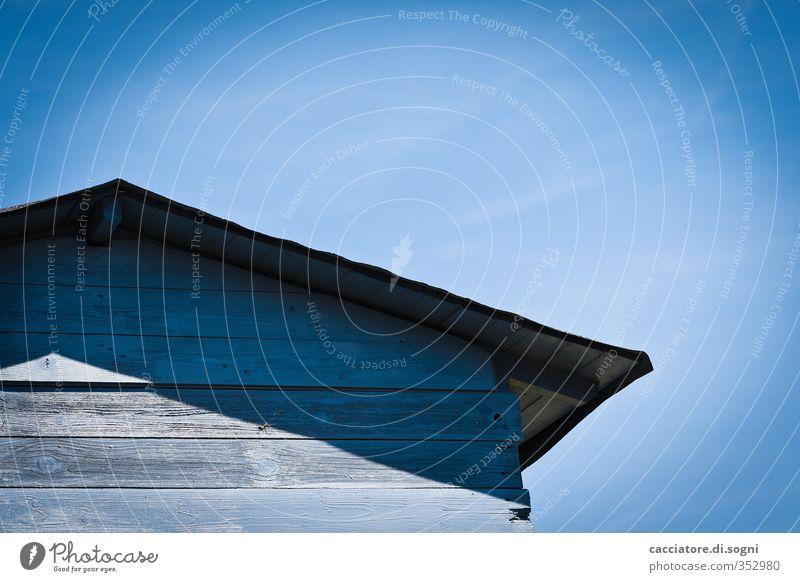 blue blau Sommer Einsamkeit ruhig Ferne Holz Fassade Freizeit & Hobby Klima Idylle Häusliches Leben einfach Ewigkeit Schutz Neugier geheimnisvoll