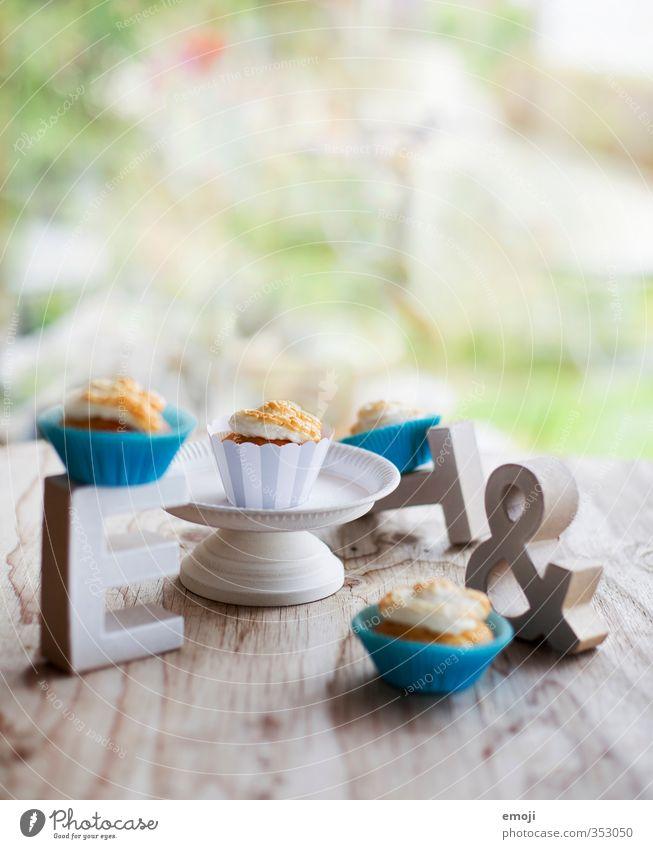 typolicious Kuchen Dessert Süßwaren Ernährung Picknick Slowfood Fingerfood lecker süß Buchstaben Muffin Cupcake Farbfoto Innenaufnahme Nahaufnahme Menschenleer