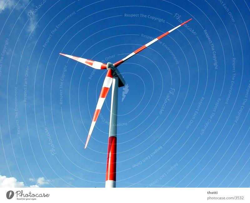 windkraft rot-weiss Windkraftanlage alternativ regenerativ Umwelt Elektrizität Industrie Energiewirtschaft