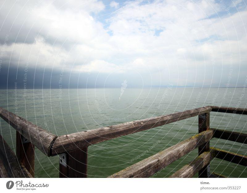 should I stay or ... Himmel Natur Wasser Meer Erholung Wolken Umwelt Ferne Bewegung Wege & Pfade Holz Zeit Horizont träumen Wellen Zufriedenheit