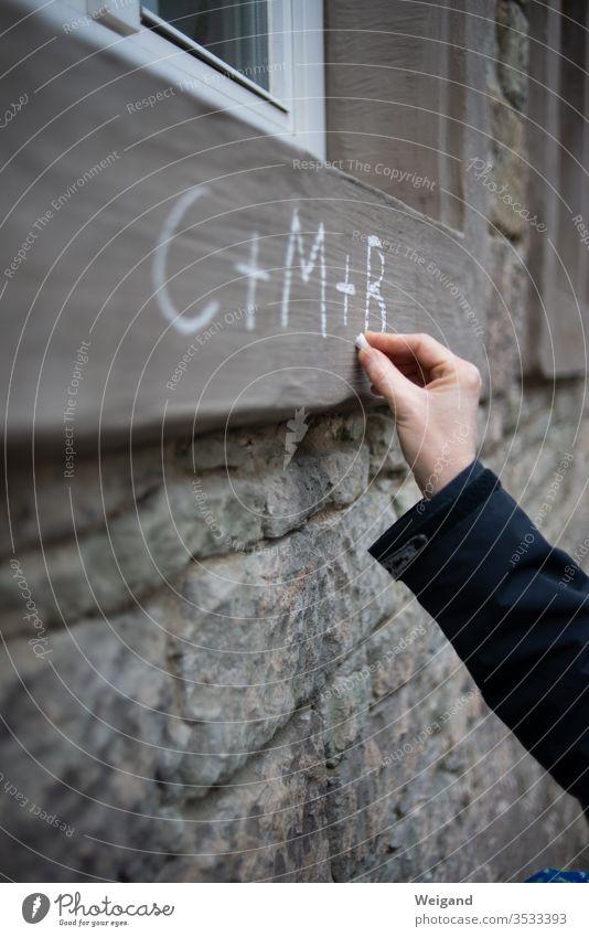 Sternsinger cmb Segen Dreikönigsfest Christliches Kreuz christlich Christentum besuchen