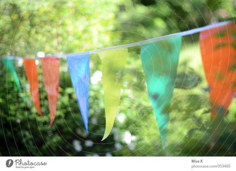 Sommerfest Sommer Freude Frühling Feste & Feiern Party Garten Stimmung Geburtstag leuchten Sträucher Dekoration & Verzierung Fahne hängen Girlande Gartenfest