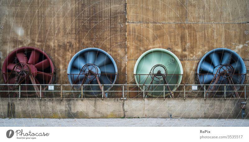 Rotierende Gebläse im Landschaftspark Nord... Lüfter Technik Maschine machine Werkstatt Industrie Industrieanlage Produktion Ventilator Lüftung wasserkühler