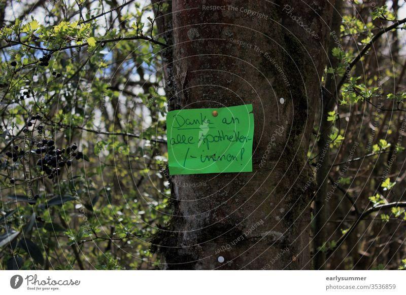 Danke an alle Apotheker/-innen! coronavirus Corona-Virus systemrelevant Apothekerin Solidarität Zettel Baum systemrelevanter Beruf Systemrelevanz coronakrise