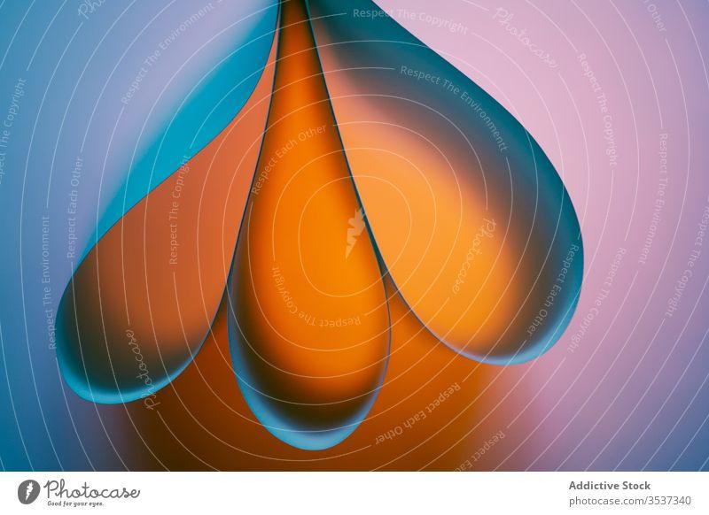 Bunter geometrischer Hintergrund mit hellen Tropfen abstrakt Form Farbe Schaumblase Blütenblatt mehrfarbig Regenbogen Steigung Vorlage Textur Geometrie
