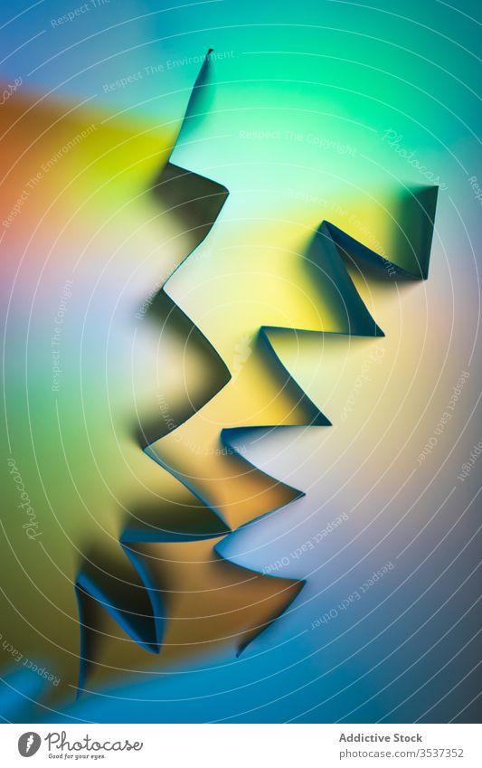 Farbverlauf bunter abstrakter Hintergrund mit geometrischen Formen Farbe neonfarbig Winkel mehrfarbig hell Regenbogen Vorlage Steigung Textur Geometrie
