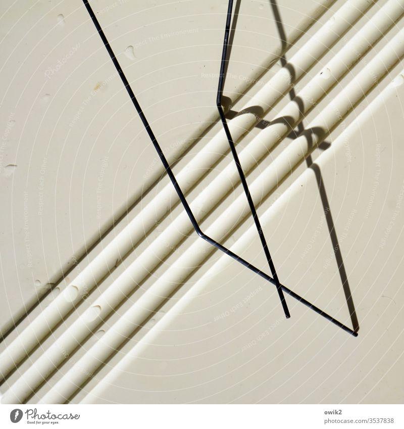 Sperrig abstrakt Linien Kunststoff diagonal quer Strukturen & Formen Detailaufnahme Farbfoto Streifen Kontrast graphisch Ordnung Muster Design Außenaufnahme